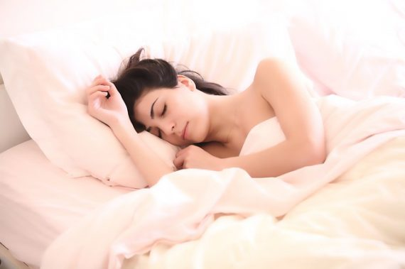 Canicule et sommeil : le test du matelas rafraichissant